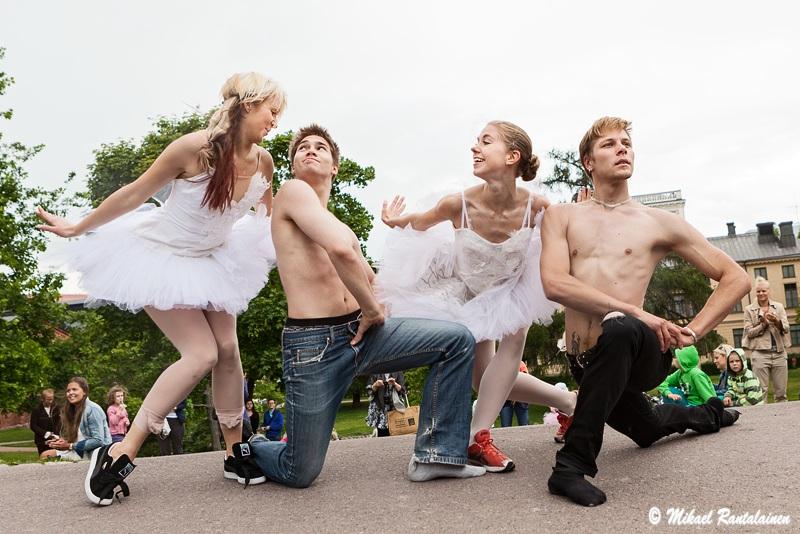 Pieni Suomalainen Balettiseurue, Sinebrychoff Park, Helsinki